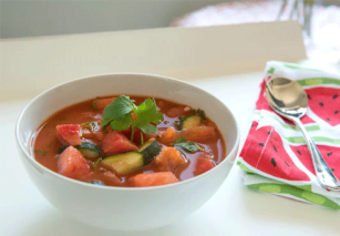 Paradicsomos-dinnyés gazpacho